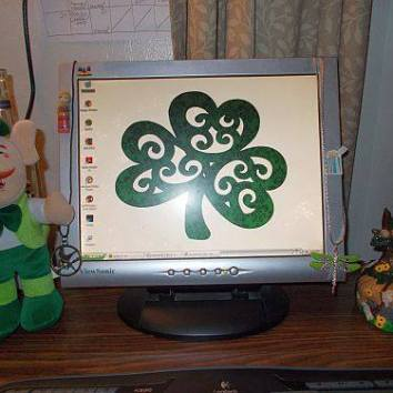 Need the luck of the Irish. :) My decorations for St. Patrick's Day.
